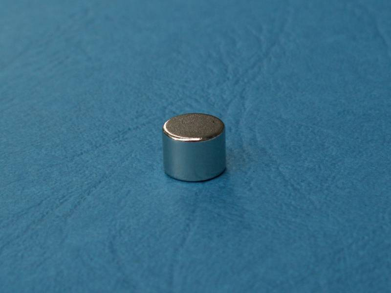 Magnet FeNdB-Ni D8x6mm